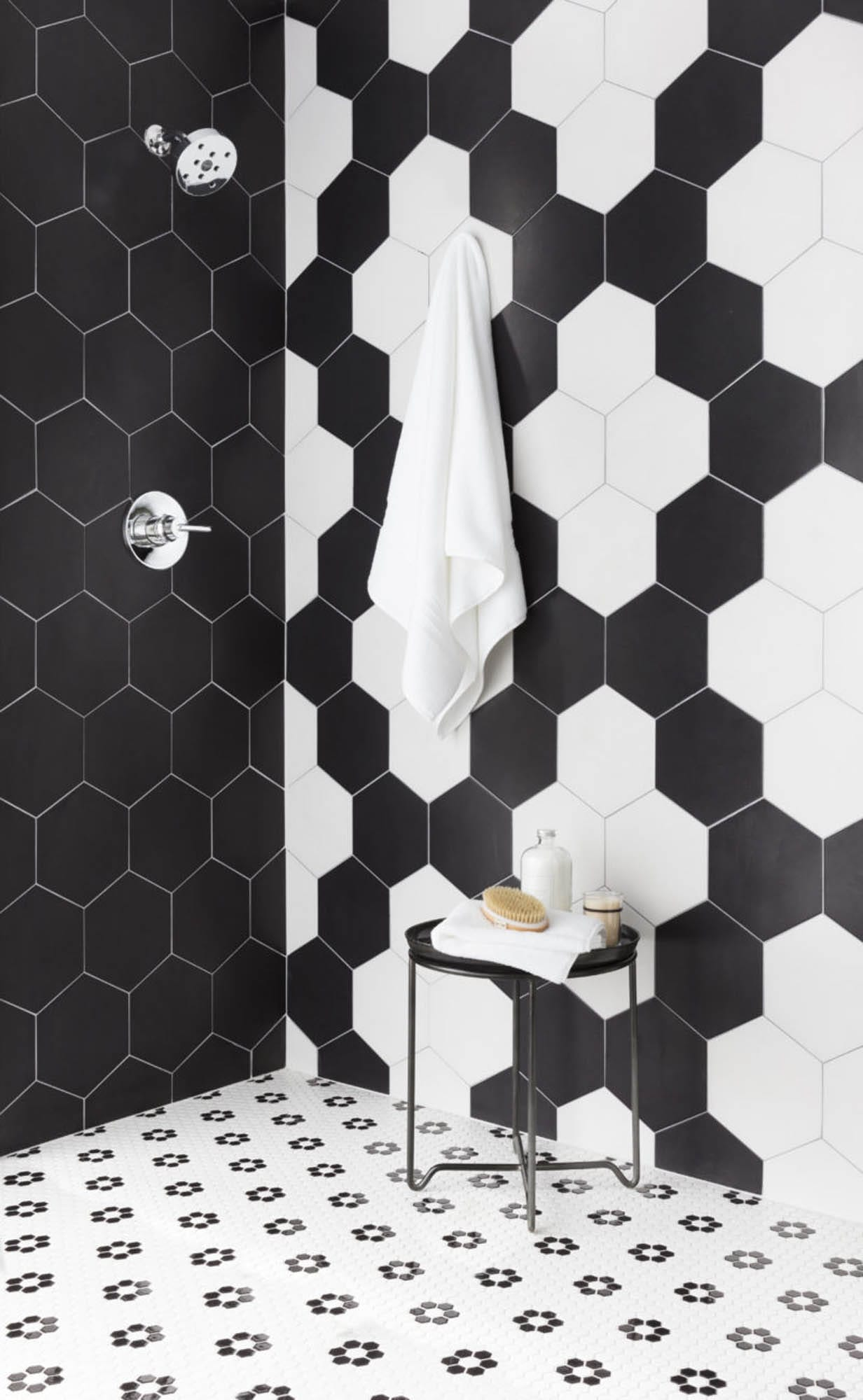 Black-and-white hexagons create a bold shower.