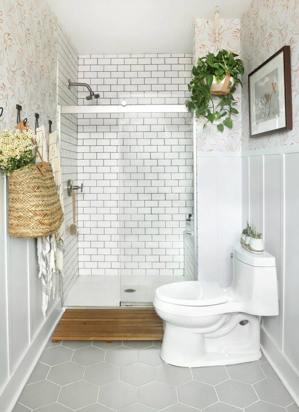 Bright white and grey tiled bathroom