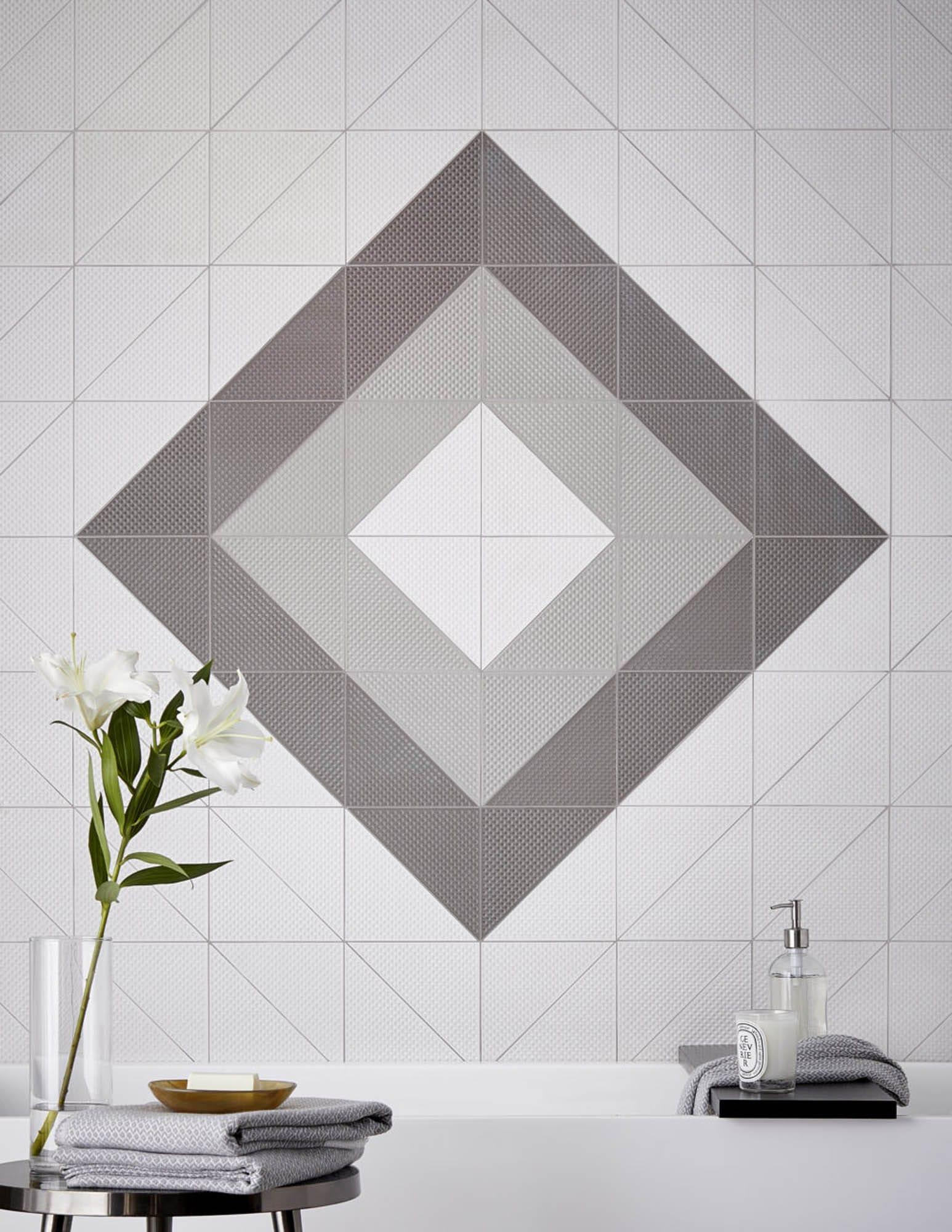 Diamond design with tile