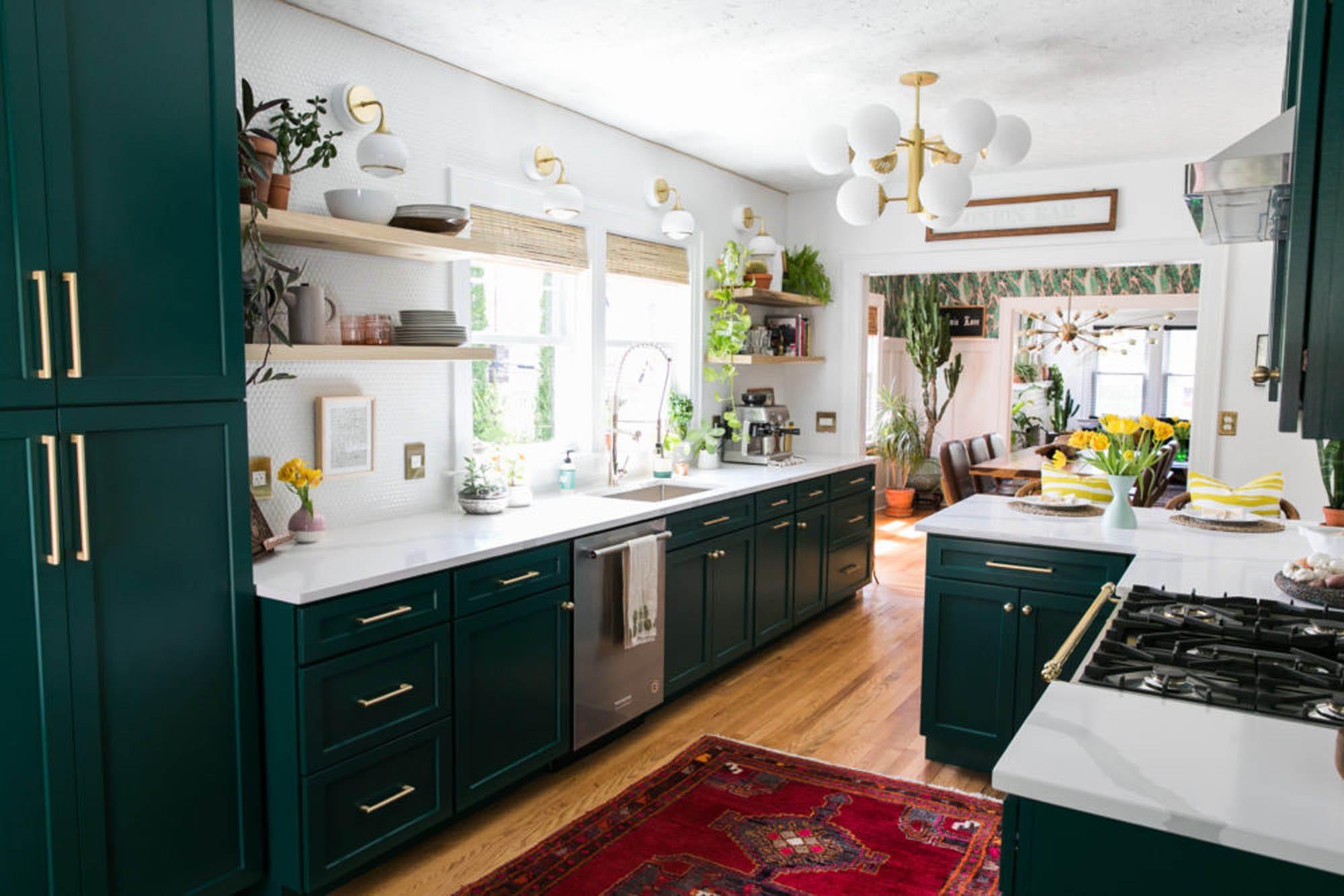 Penny round kitchen backsplash tile