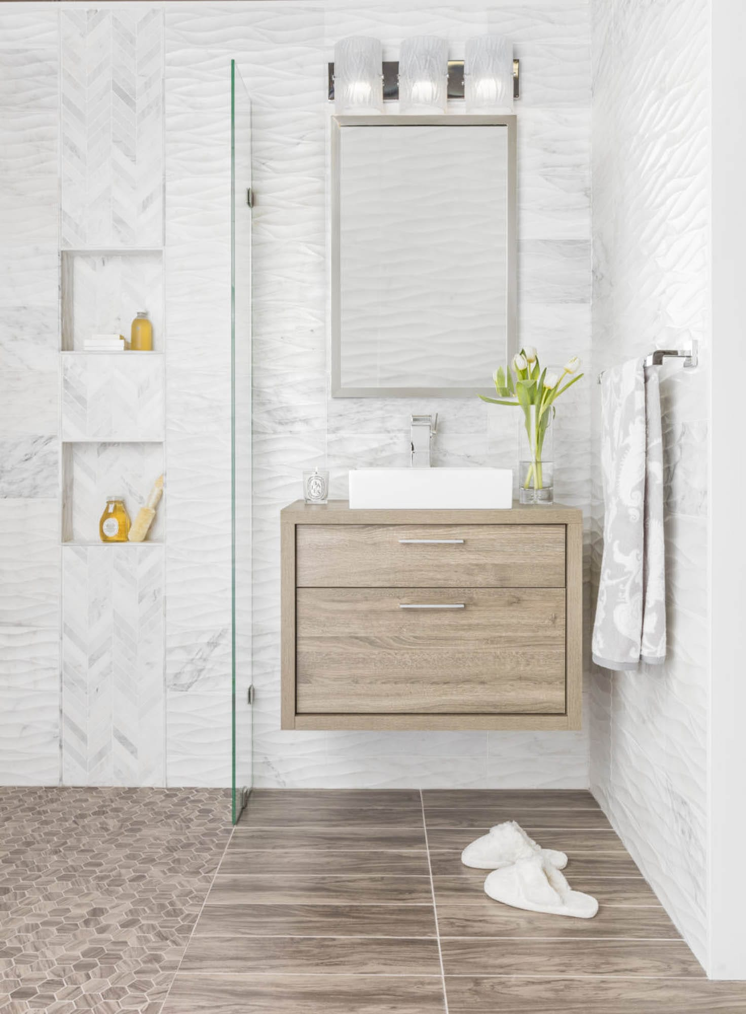 White marble and grown wood-look tile