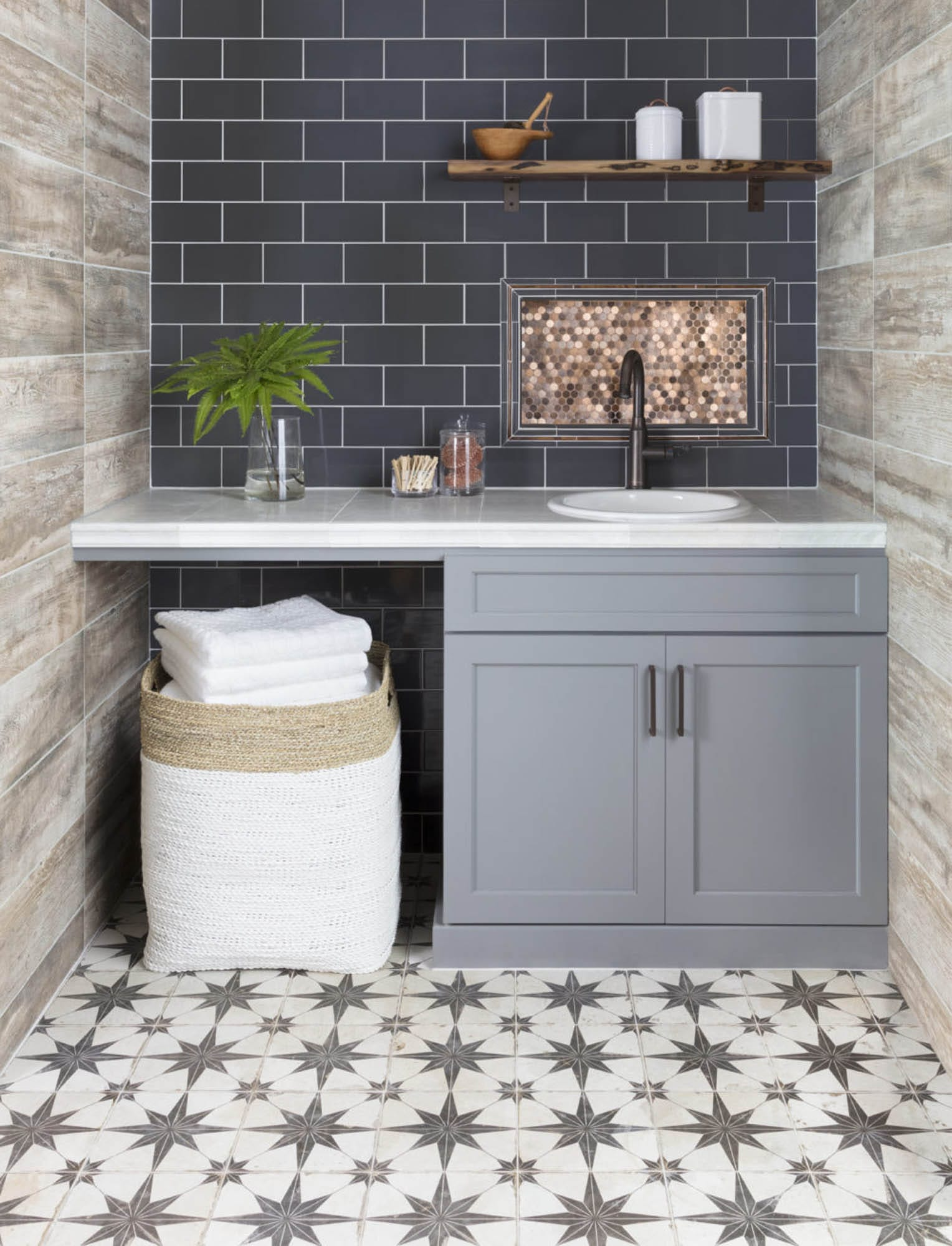 Modern farmhouse tile design