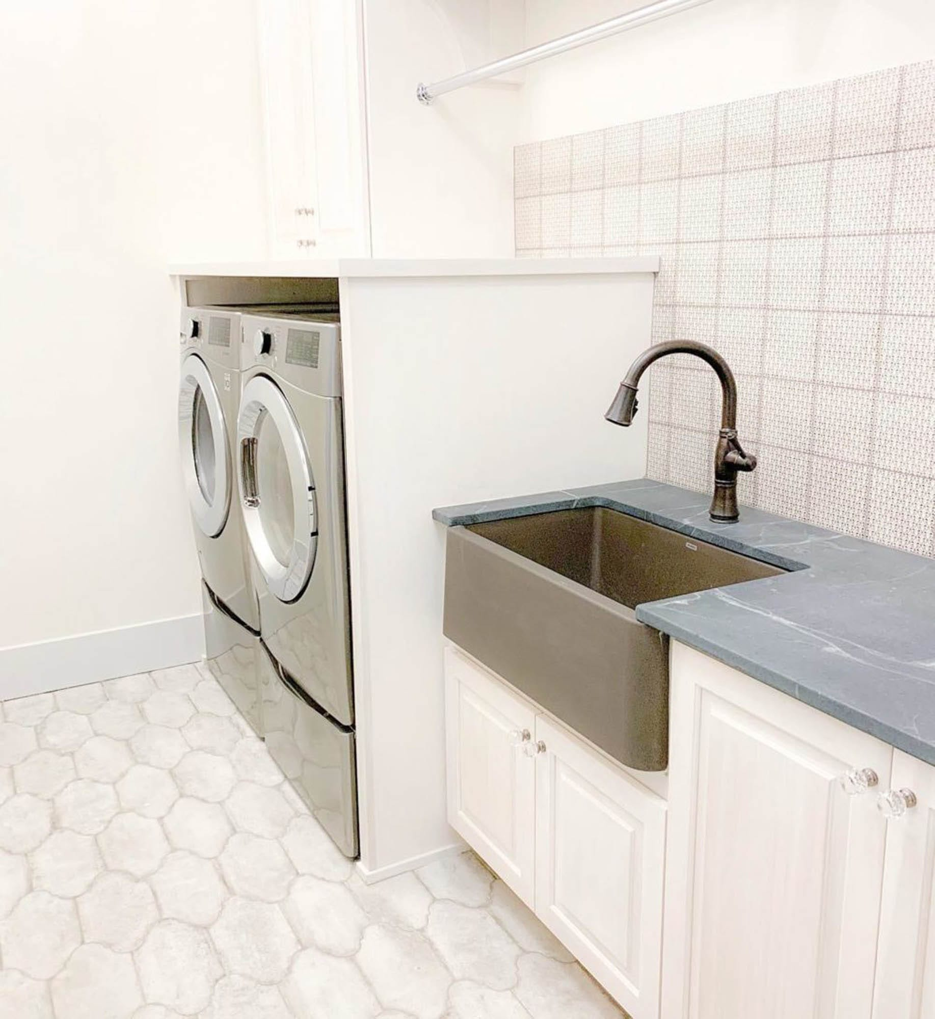 Cream laundry room tile