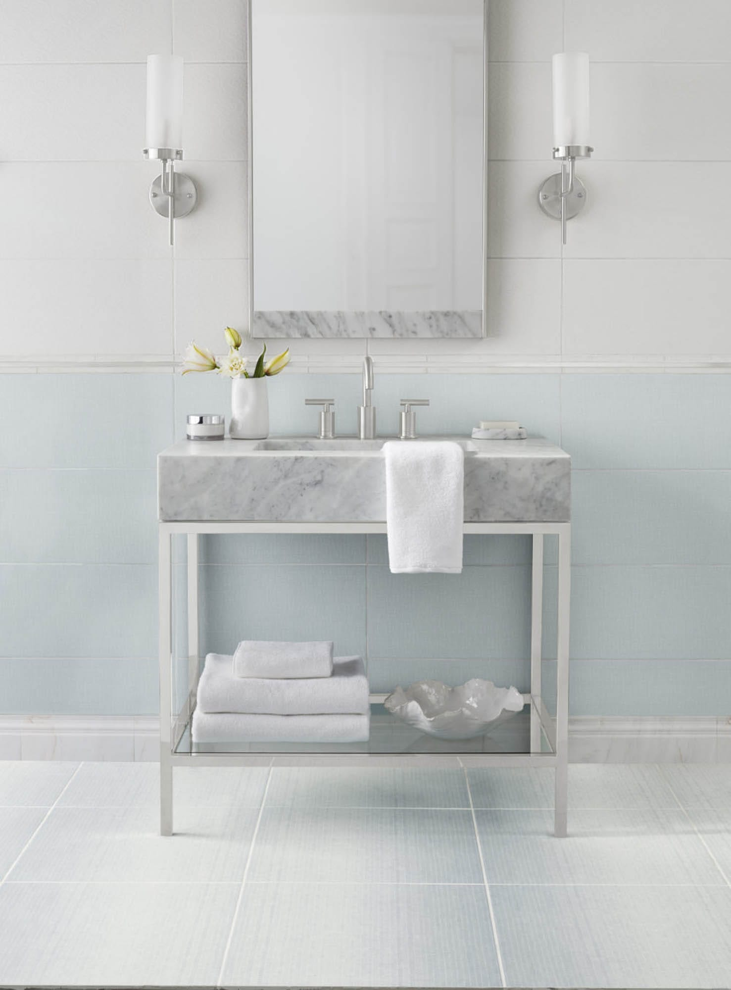 Blue and white bathroom tile
